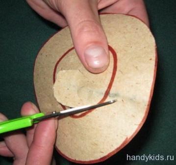 Как вырезать дырку в бумаге