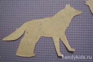 Фигура волка из бумаги