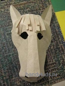 Как сделать морду лошади из картона