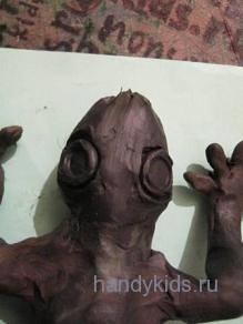 Голова геккона из пластилина