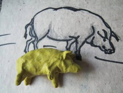 Слепим свинью из пластилина
