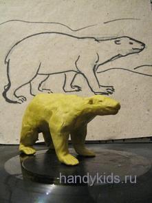 Белый медведь из пластилина