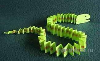 Как сделать змею из бумаги