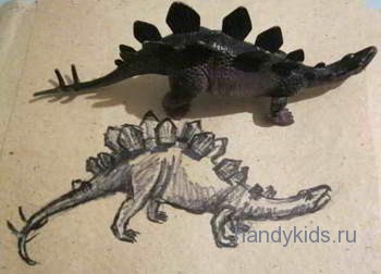 Рисуем динозаврас натуры