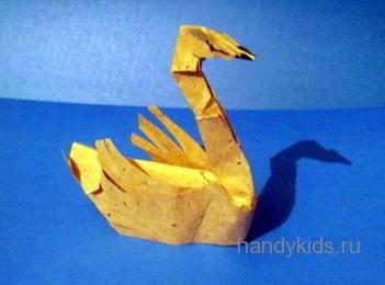 Лебедь-модель из бумаги