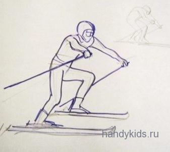Лыжник спускается с горы