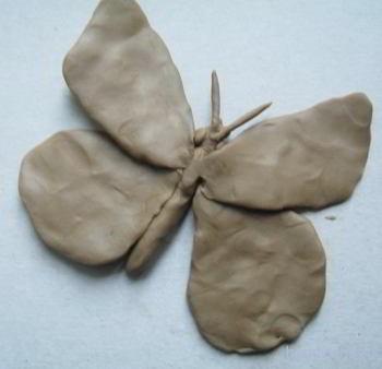 Сборка бабочки из деталей