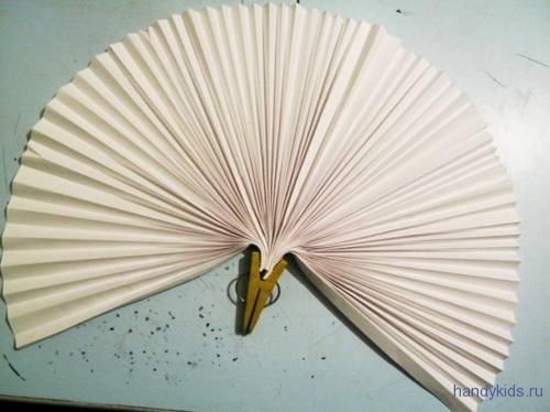 Веер из бумаги