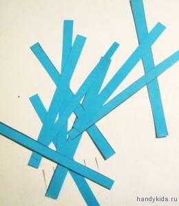 Разрежем бумагу на полоски по начерченным линиям