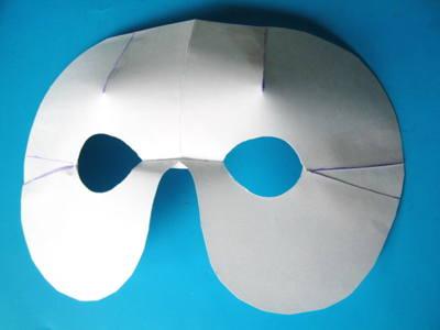 Основная деталь маски голубя