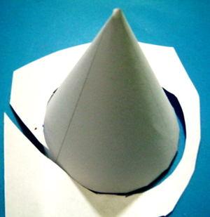 Сделаем конус из бумаги или картона