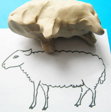 Лепим овечку и барашка из пластилина