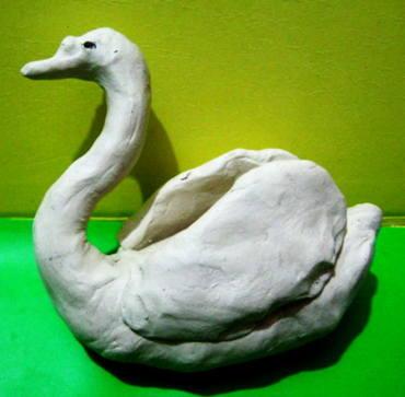 Лебедь из пластилина