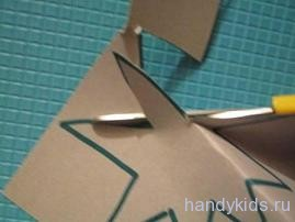 Вырезание бумаги по зигзагу
