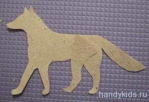 Вырезаем фигуры животных  из бумаги