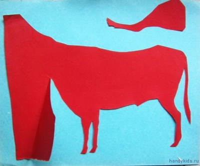 Этапы вырезания силуэта быка из бумаги