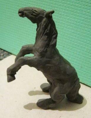 Конь(лошадь) из пластилина.