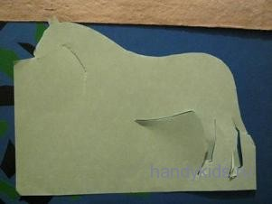 Вырезаем силуэт коня