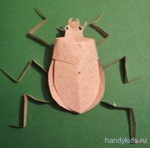 Модель из бумаги -жук