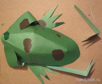 Сделаем лягушку из бумаги