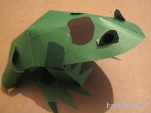Модель-лягушка из бумаги