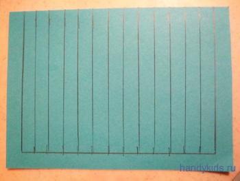 Расчерчиваем основу для коврика из бумажных полос