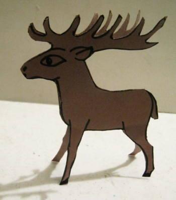 Модель - олень из бумаги