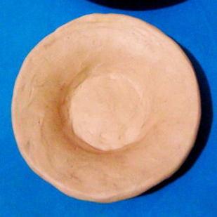 Лепка:тарелка из пластилина.