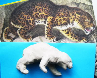 Леопард из пластилина.